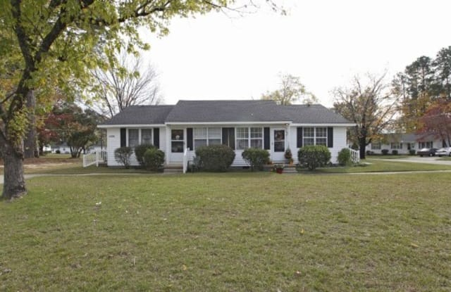 Cottages on Elm - 1000 Elm St, Fayetteville, NC 28303
