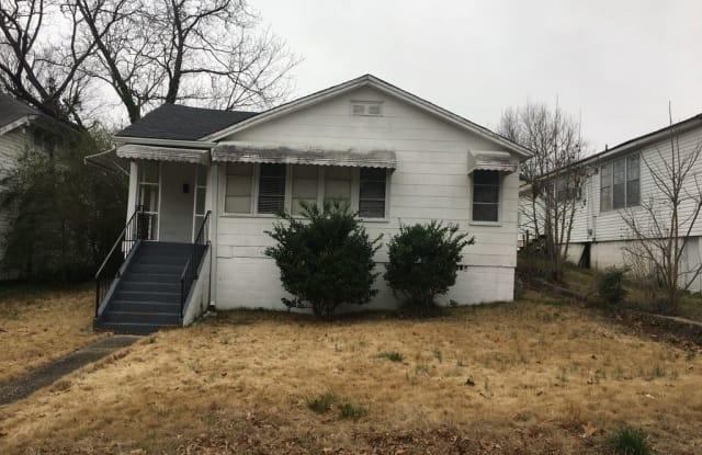 922 Montgomery Avenue - 922 Montgomery Ave, Anniston, AL 36207