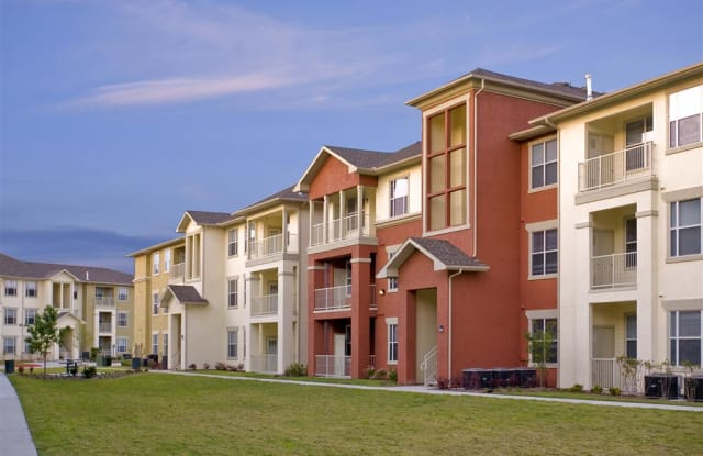 Costa Rialto - 5015 Aldine Bender Rd, Houston, TX 77032