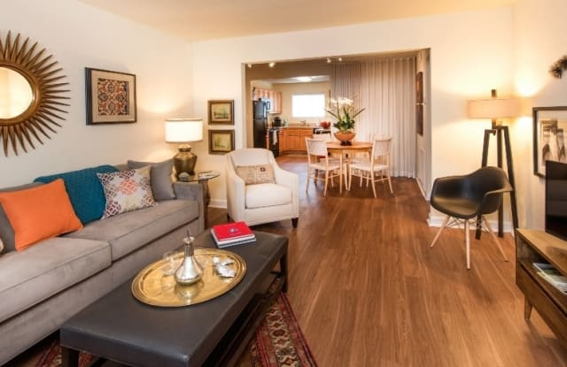 Haven Apartments & Townhomes - 1870 Enterprise Ct, Virginia Beach, VA 23454