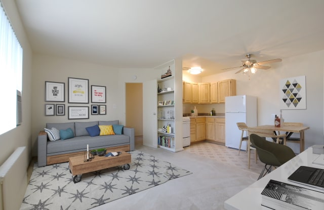 Oakland Apartments - 3710 Columbia Pike, Arlington, VA 22204