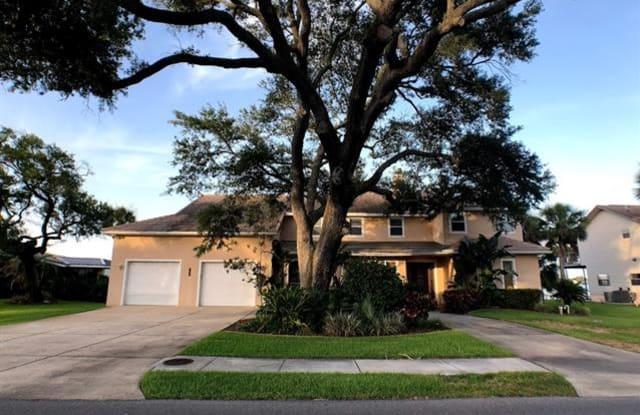 1647 Riverside DR - 1647 Riverside Drive, Holly Hill, FL 32117