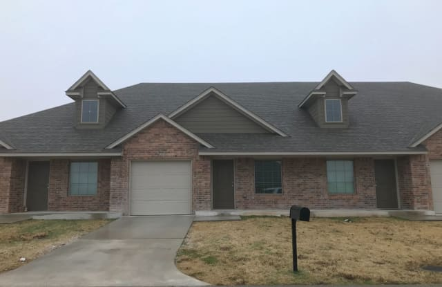 4716 Loch Lane - 4716 Loch Ln, Del City, OK 73115