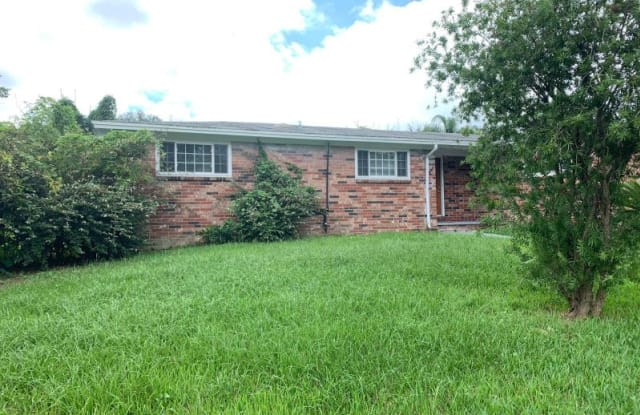 8630 Moss Haven Rd - 8630 Moss Haven Road, Jacksonville, FL 32221