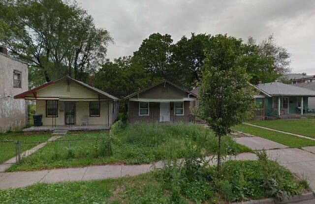 4142 Flora Ave - 4142 Flora Avenue, Kansas City, MO 64110