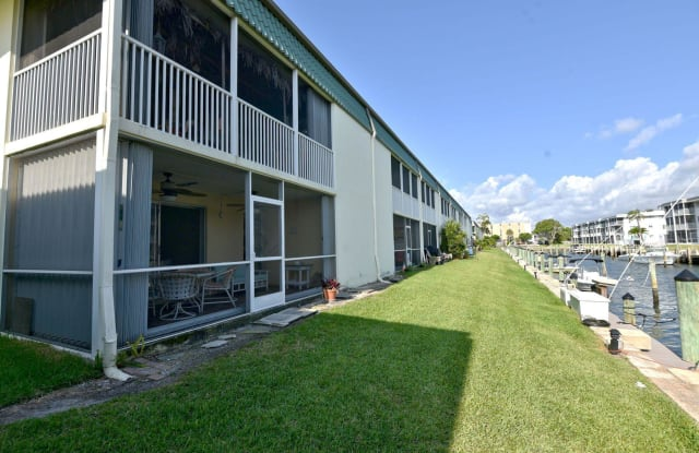 109 Wettaw Lane - 109 Wettaw Lane, North Palm Beach, FL 33408