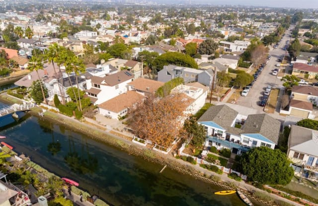 2620 GRAND CANAL - 2620 Grand Canal, Los Angeles, CA 90291