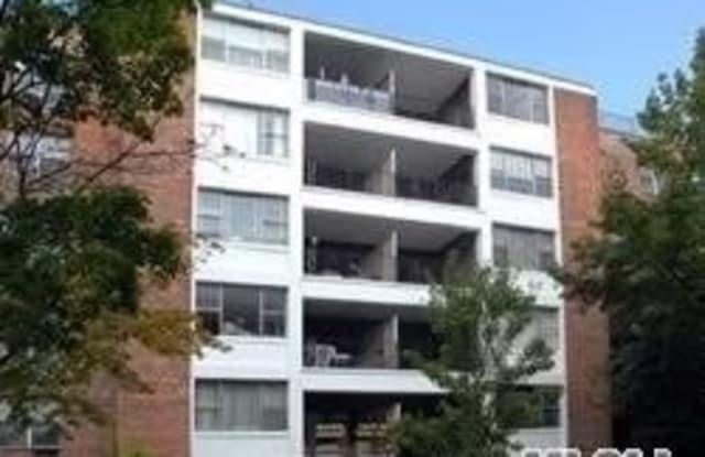 190 First St - 190 1st Street, Mineola, NY 11501