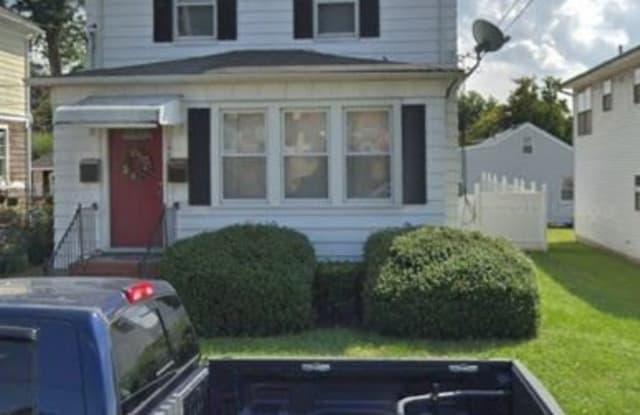 177 Bergen St - 177 Bergen Street, Woodbridge, NJ 07095