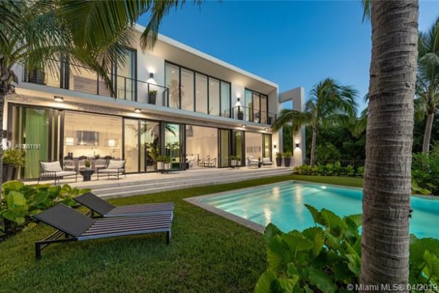 119 E 2nd Ct - 119 East 2nd Court, Miami Beach, FL 33139