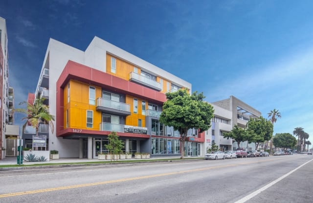 MySuite at 1427 Seventh Street - 1427 7th Street, Santa Monica, CA 90401