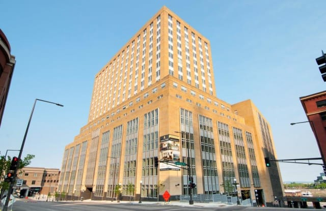 Custom House - 180 Kellogg Blvd E, St. Paul, MN 55101