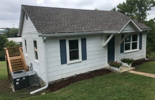 802 S Water St - 802 S Water St, Columbia, TN 38401