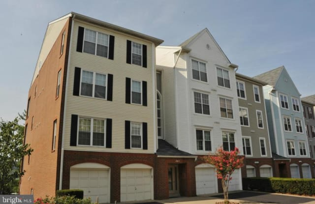 245 S PICKETT ST #102 - 245 South Pickett Street, Alexandria, VA 22304