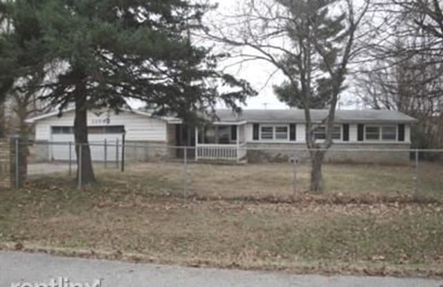3254 W Lombard St - 3254 West Lombard Street, Springfield, MO 65802