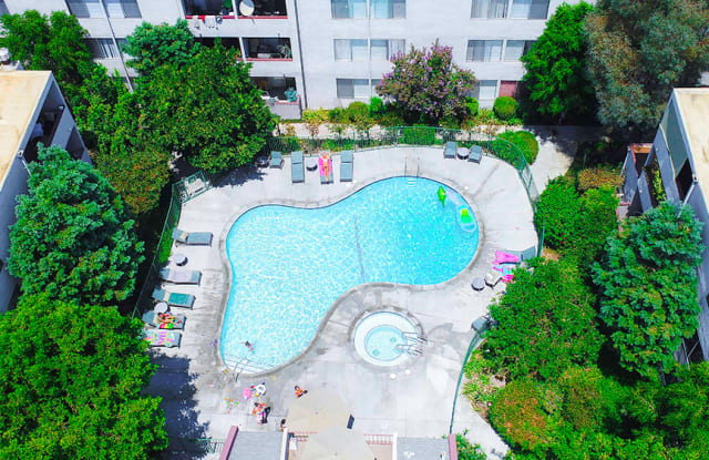 Woodland House - 22035 Burbank Boulevard, Los Angeles, CA 91367