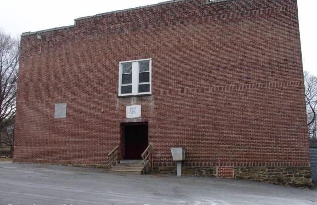 100 School St Apt K - 100 School St, Glen Rock, PA 17327