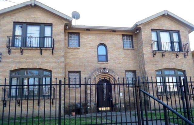 Upper E - 6127 Gaston Ave, Dallas, TX 75214