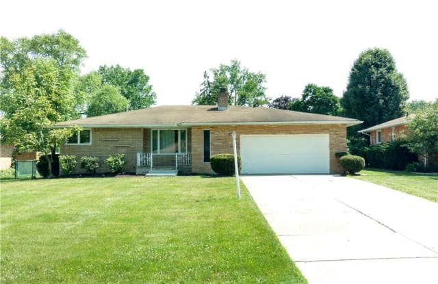 5746 Darrow Dr - 5746 Darrow Drive, Seven Hills, OH 44131
