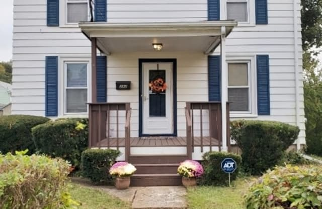 392 RUTHERFORD AVE - 392 Rutherford Avenue, Franklin, NJ 07416