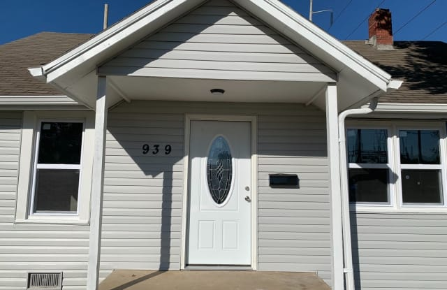 939 N Brown - 939 North Brown Avenue, Springfield, MO 65802