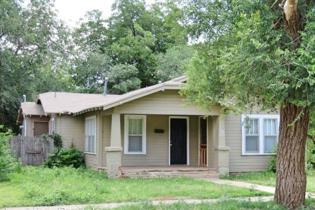 1905 17th Street - 1905 17th Street, Lubbock, TX 79401