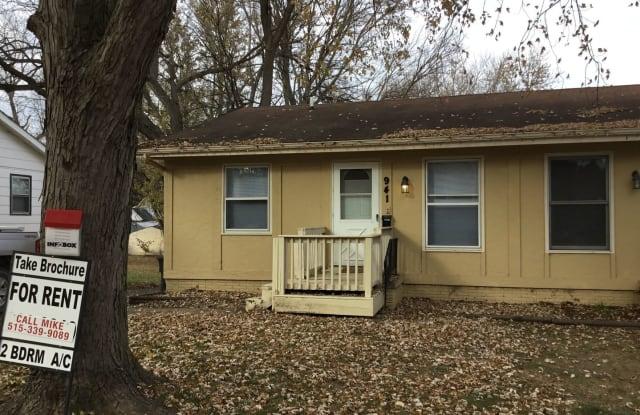 941 HEROLD AVE - 941 Herold Avenue, Des Moines, IA 50315