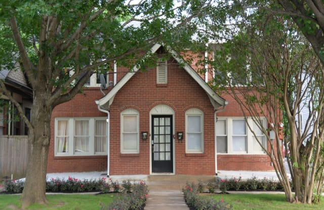 Chateaux - 4632 Junius Street, Dallas, TX 75246
