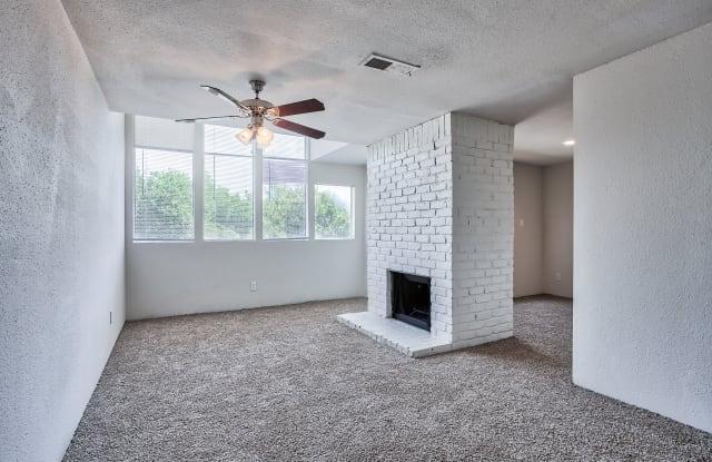 Branch Creek Apartments - 2250 Marsh Ln, Carrollton, TX 75006