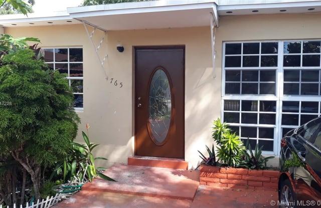 765 NE 160th St - 765 Northeast 160th Street, Golden Glades, FL 33162