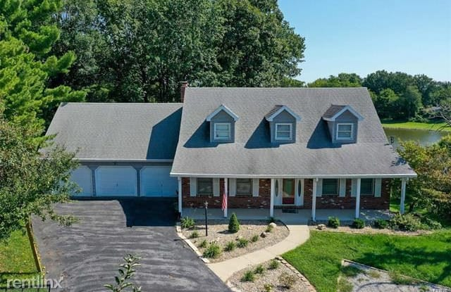 1402 Britany Court - 1402 Britany Court, Holiday Shores, IL 62025