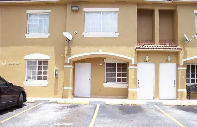 8100 W 28th CT - 8100 West 28th Ct, Hialeah, FL 33018