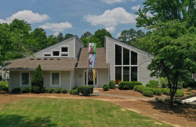 The Pointe at Norcross - 3600 Park Colony Dr, Norcross, GA 30093
