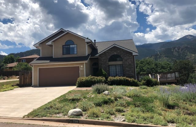 338 Sutherland Pl - 338 Sutherland Place, Manitou Springs, CO 80829