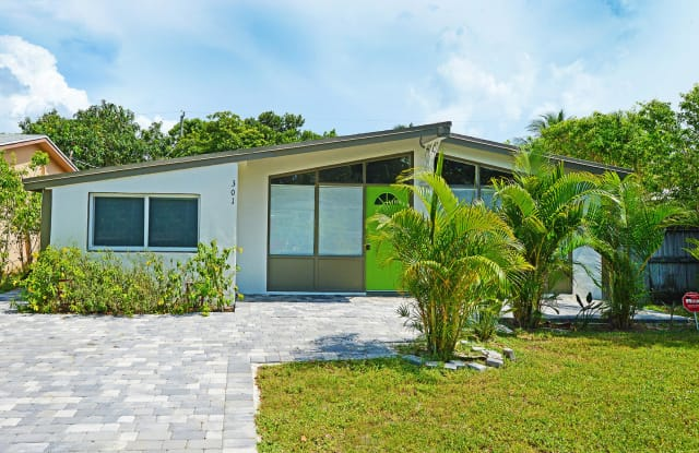 301 Enfield Street - 301 Enfield Street, Boca Raton, FL 33487