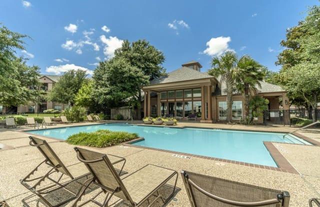 Blue Lake Villas II - 157 Lake Side Drive, Waxahachie, TX 75165