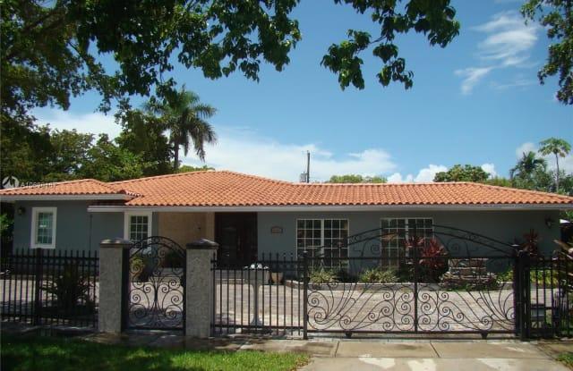 400 SW 24th Rd - 400 Southwest 24th Road, Miami, FL 33129