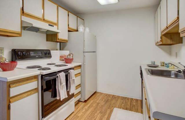 Glennbrook Apartment Homes - 3717 148th St SW, Lynnwood, WA 98087