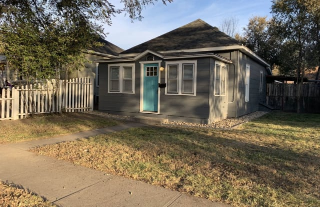 208 Lincoln St - 208 Lincoln Street, Sterling, CO 80751