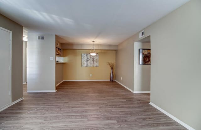 Sedona - 14402 Pavilion Pt, Houston, TX 77083