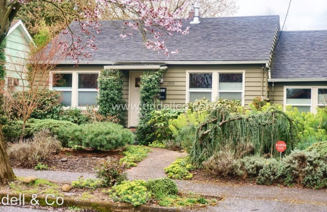 7933 N Foss Avenue - 7933 North Foss Avenue, Portland, OR 97203