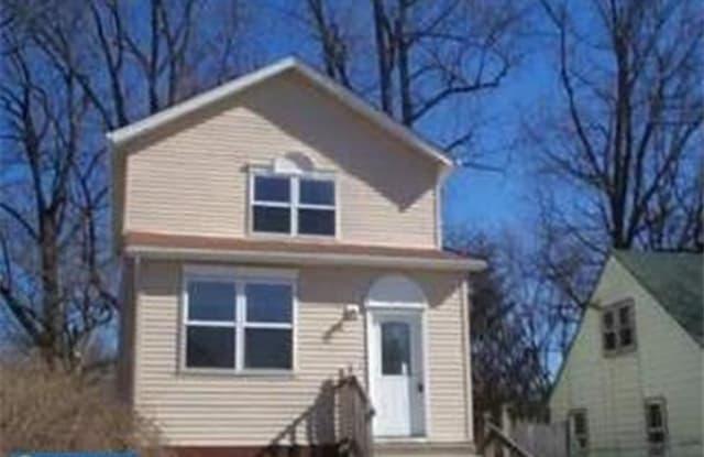 242 S MAPLE AVENUE - 242 South Maple Street, Woodbury, NJ 08096