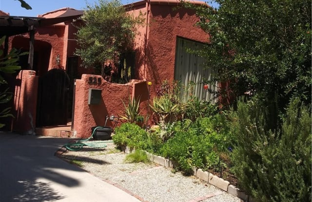 525 N Poinsettia Place - 525 North Poinsettia Place, Los Angeles, CA 90036