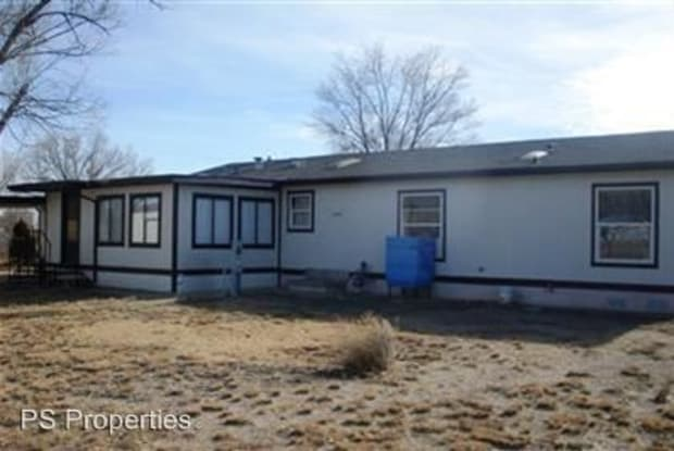305 Girard - 305 Girard Ave W, Moriarty, NM 87035