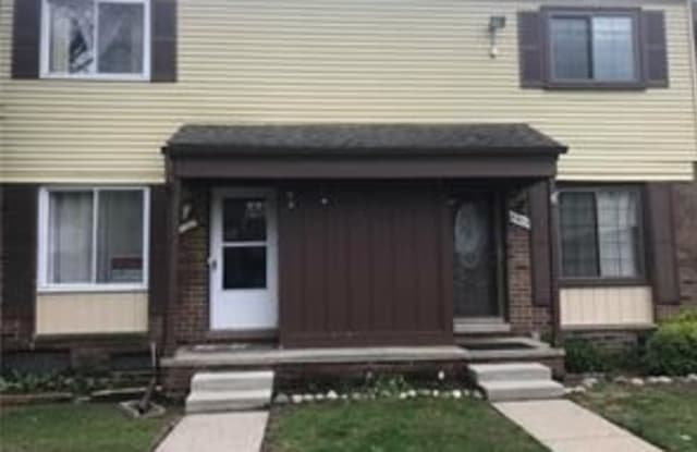 8437 Hickory Dr - 8437 Hickory Drive, Sterling Heights, MI 48312
