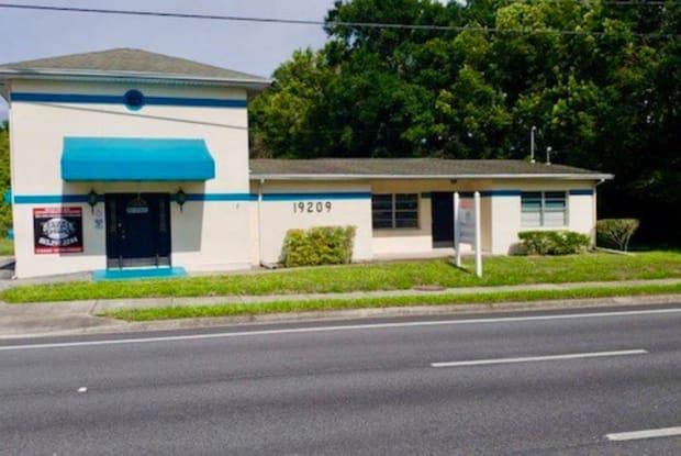 19209 N Us Highway 41 - 19209 N Us Highway 41, Lutz, FL 33549