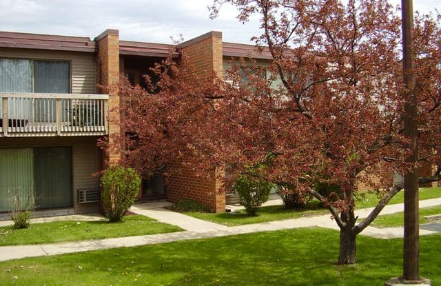Georgetown Square - 5143 Biscayne Ave, Racine, WI 53406
