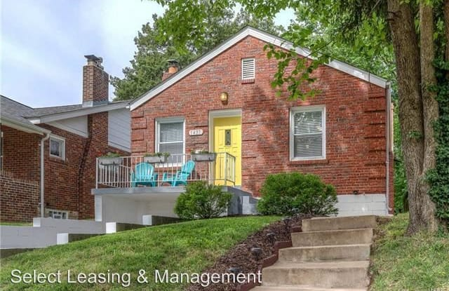 1437 Collins Ave - 1437 Collins Avenue, Richmond Heights, MO 63117