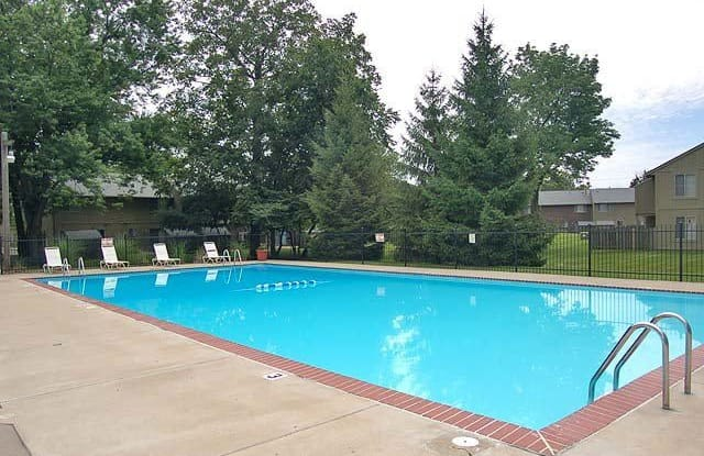 Woods of Eagle Creek - 4949 Bobwhite Ln, Indianapolis, IN 46254