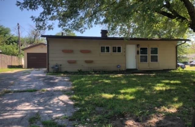 142 st robert - 142 St Robert Drive, Cahokia, IL 62206